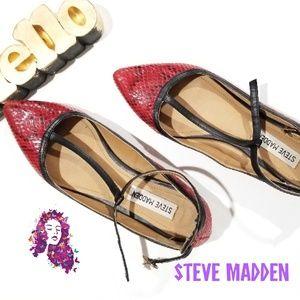 Steve madden red snake skin pointed flat